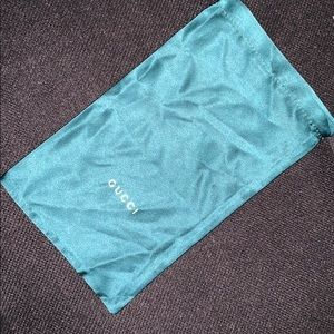 100% Authentic Gucci Emerald green dust bag 💚